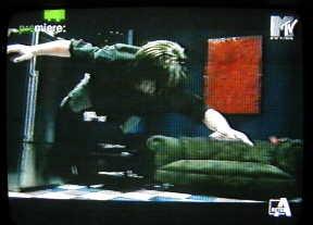 In anteprima le immagini del video di Survive 59