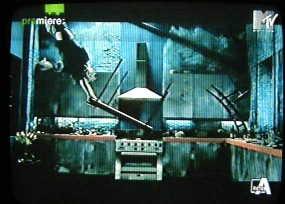 In anteprima le immagini del video di Survive 47