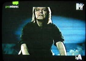 In anteprima le immagini del video di Survive 49