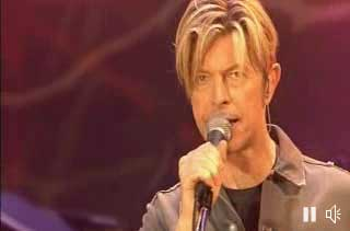 08/09 David Bowie back on stage!! 7