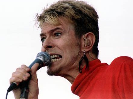 08/09 David Bowie back on stage!! 5