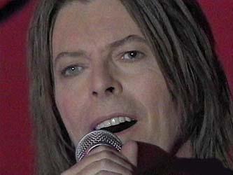 """Bowie e Celentano: """"Francamente me ne infischio"""" - Raiuno, 21 Ottobre 1999 12"""
