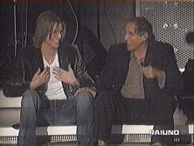 """Bowie e Celentano: """"Francamente me ne infischio"""" - Raiuno, 21 Ottobre 1999 7"""