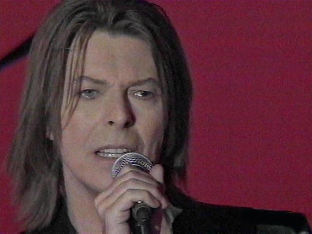 """Bowie e Celentano: """"Francamente me ne infischio"""" - Raiuno, 21 Ottobre 1999 10"""