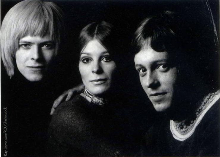 Addio a John Hutchinson, spalla di Bowie per molti anni. 3