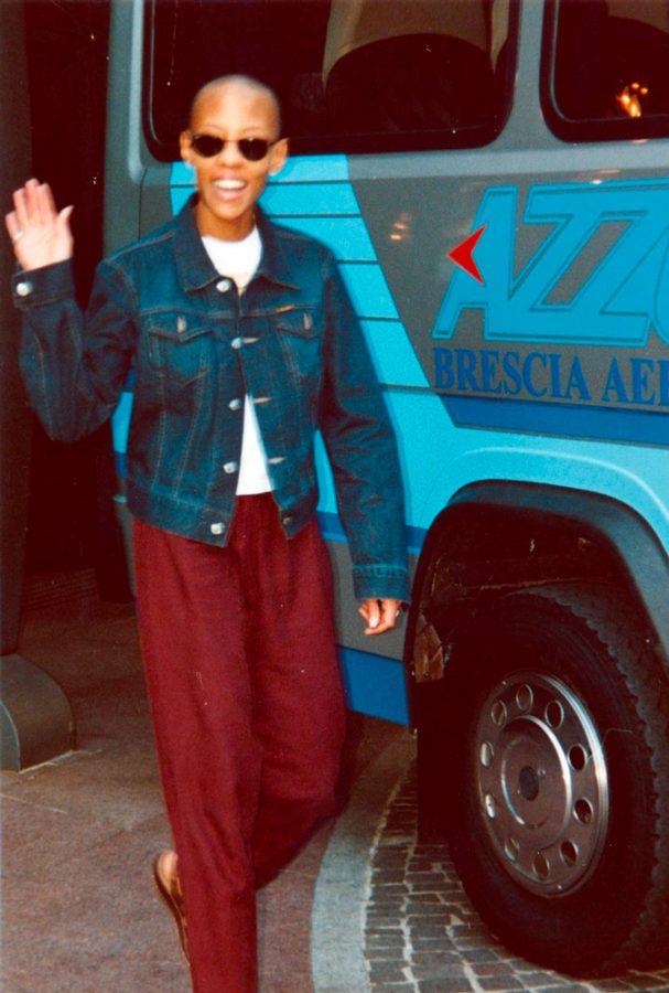 Gail-Ann-Dorsey-earthling-Tour-Brescia-8-luglio-1997-pullman