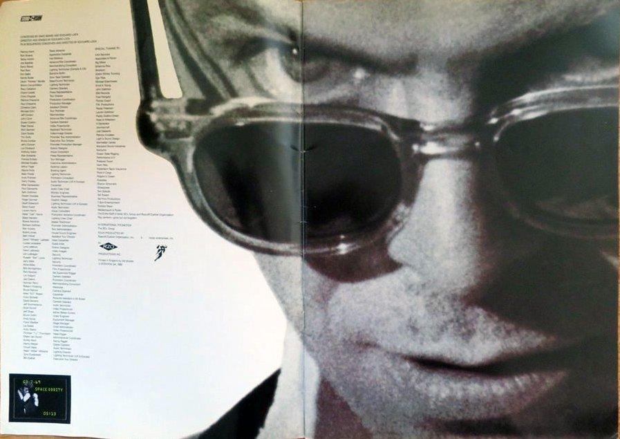 david-bowie-1990-sound-vision-tour-programme-1990-3